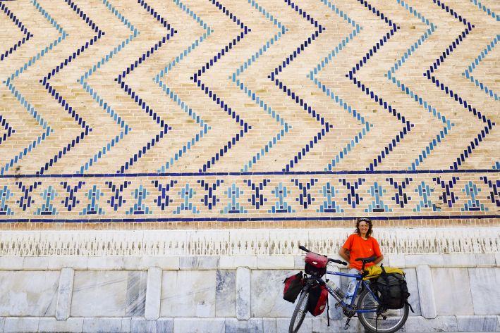 Nr.20 – Usbekistan – Reisekoller, Polizei und Travellertreff