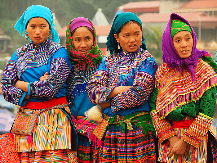 Nr.36 – Vietnam – colourfully dressed minorities