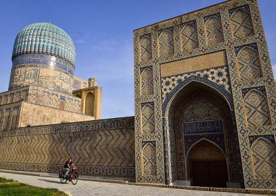 Uzbekistan Samarkand Mosque picture taken by photographer Megumi Okamoko 2