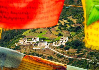 Sichuan Tibetan flags