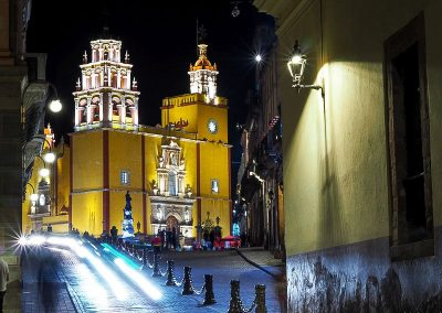 71 Mexico Guanajuato church by night